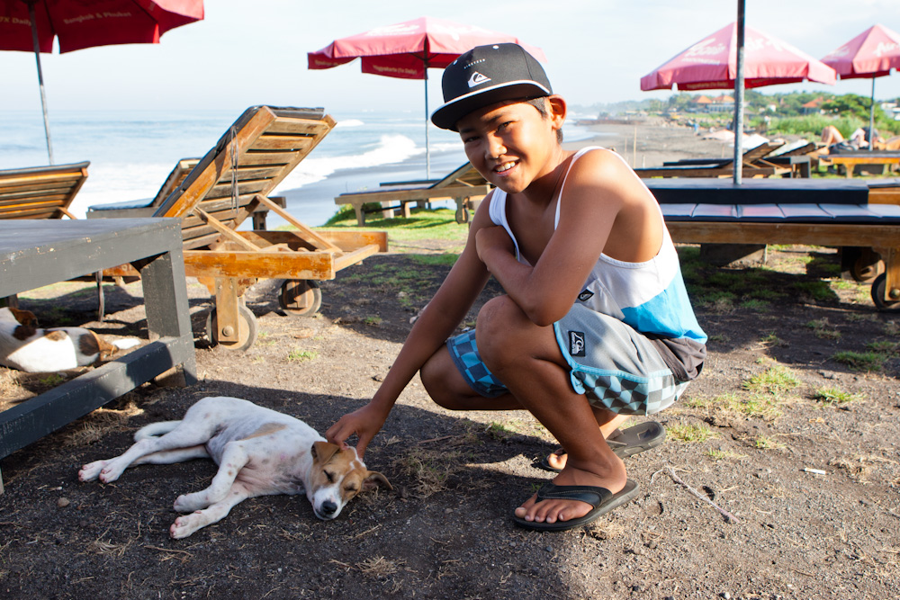 Click to enlarge image 1 Ryuki Waida w Bali Dog Canggu-3180.jpg