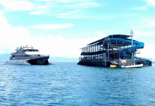 Click to enlarge image Mega-Pontoon-Quicksilver-Bali.jpg
