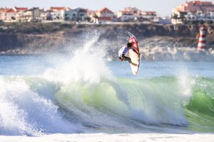 Gabriel Medina Flying at Super Tubos - Peniche