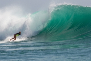 Curl Cup Padang Padang Turns on for High Scores and Deep Barrels!