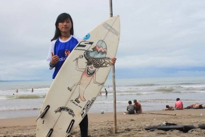 INTERVIEW : NOVITASARI SURFER ASAL SUKABUMI