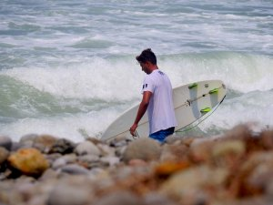 PROFIL OF THE WEEK : ERIK DAMIAN SURFER BERTALENTA DARI SUNSET BEACH PELABUHAN RATU
