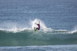 Rio Waida chasing a place in the Championship Tour of WSL