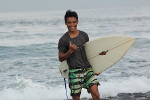 TEMUI NASAR SANG PHOTOGRAFER SURF ASAL LAKEY PEAK