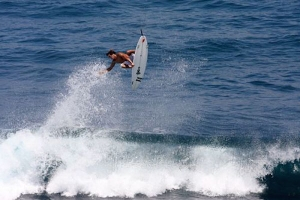 REUBYN ASH SURFING DI INDONESIA